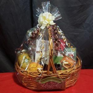 Autumn tea and coffee basket